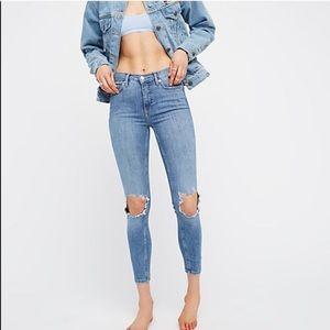 NWOT Free People Hi Rise Busted Knee Skinny Jeans